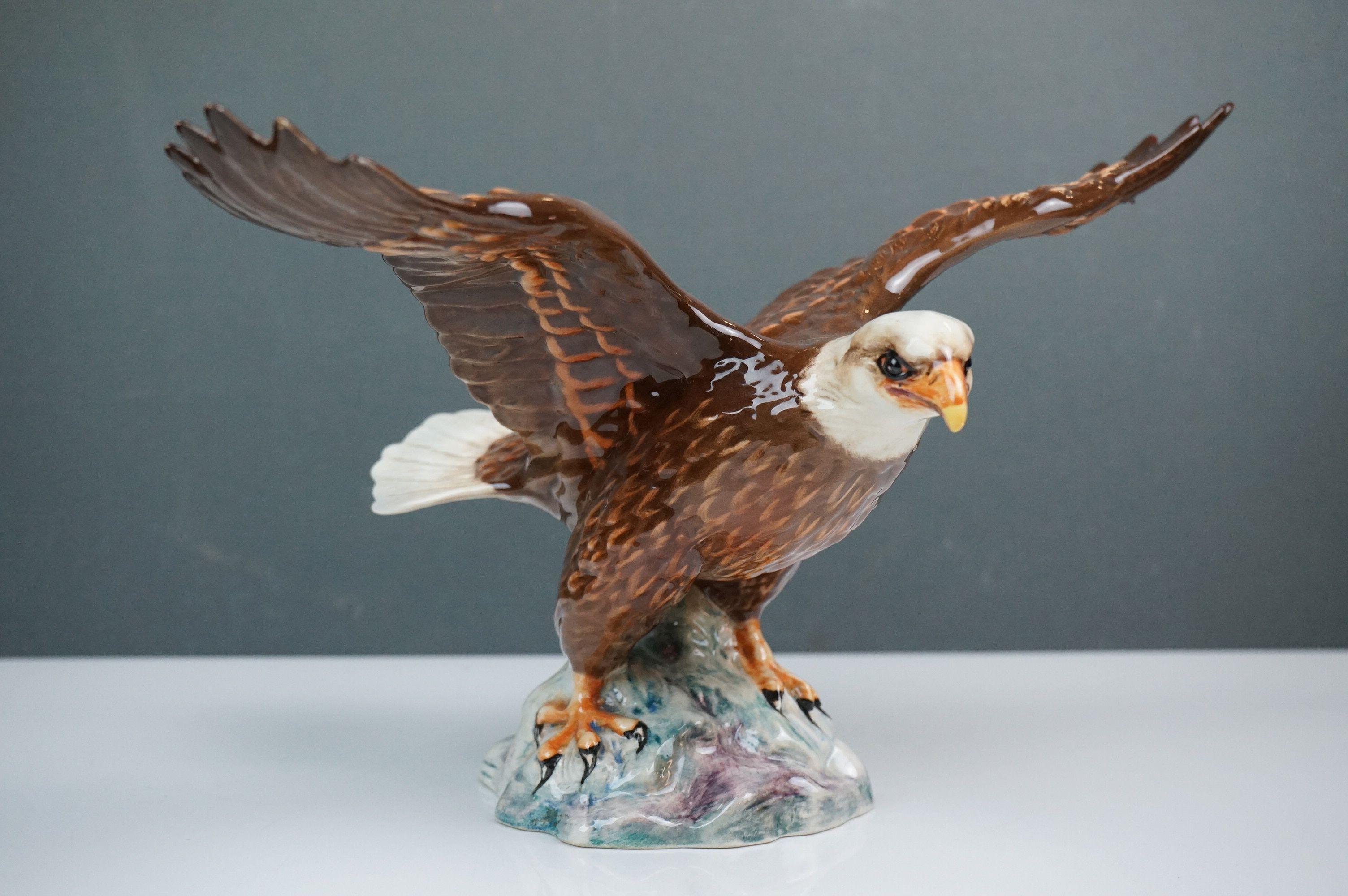 Beswick Eagle on Rock (no. 2307), Beswick Owl (no. 1046a) and Beswick Kingfisher (no. 2371) - Image 2 of 11