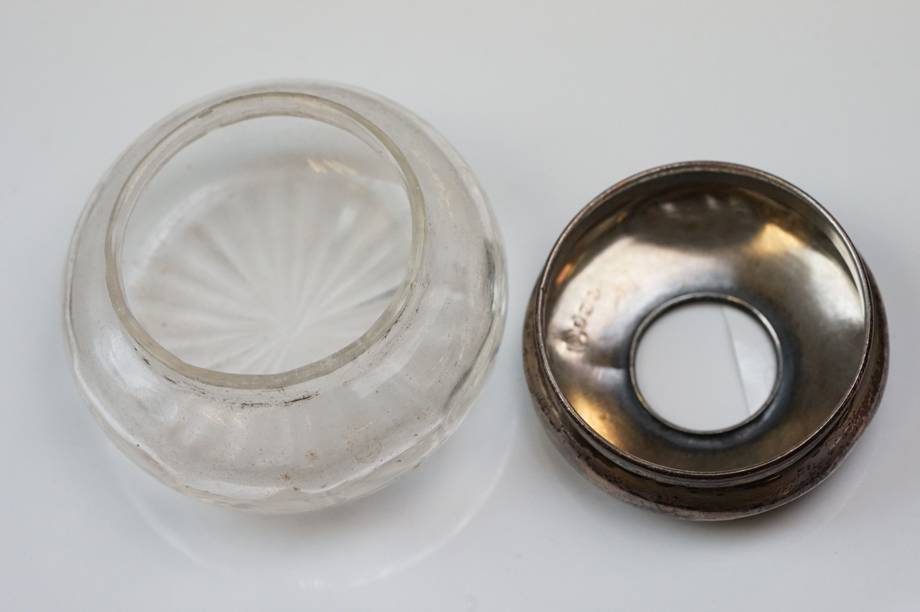 Silver topped dressing table items to include hand mirrors, brushes, jars, button hook and shoe - Image 2 of 12