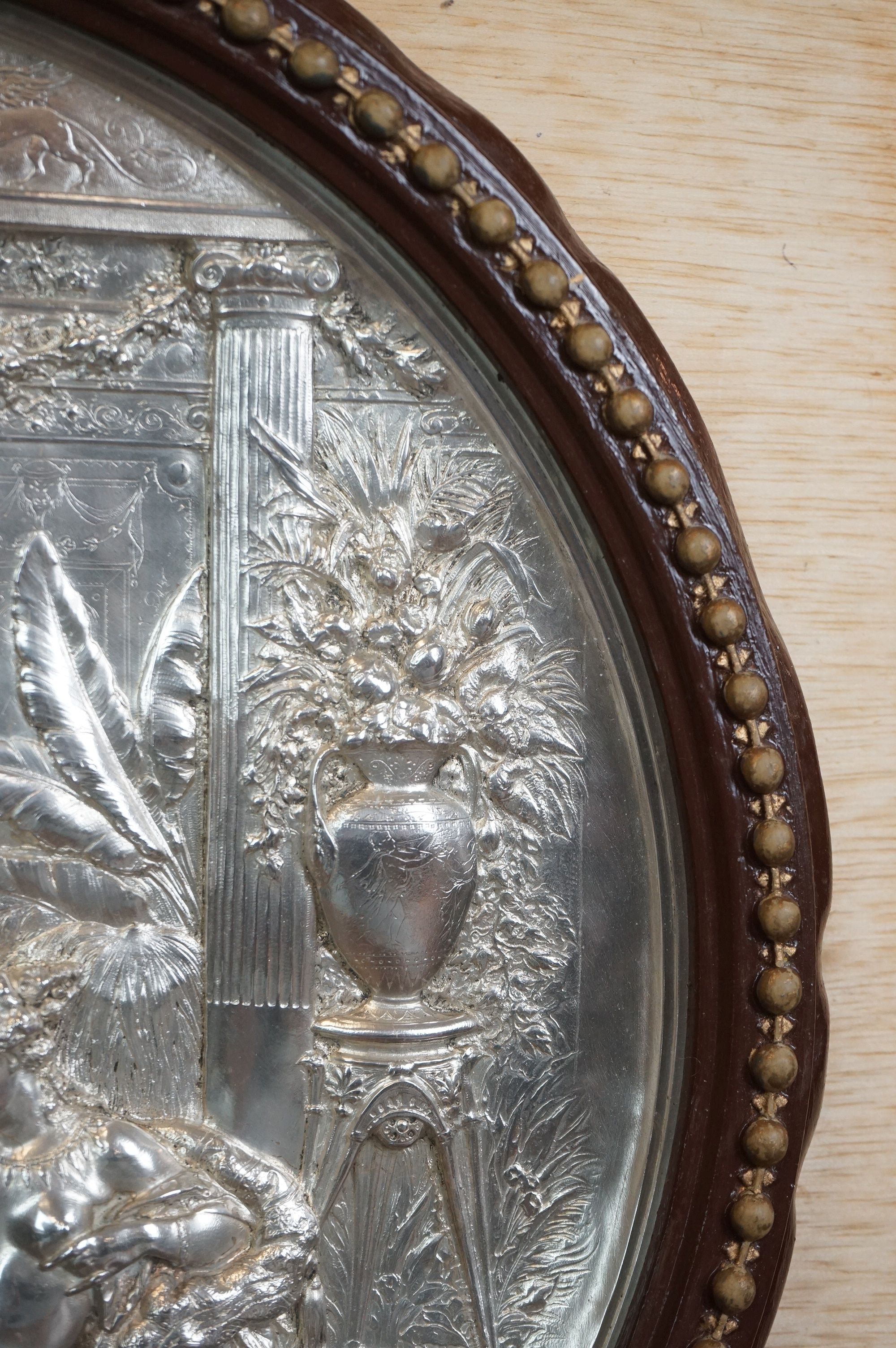 Elkington Silver Plated Circular Wall Plaque with embossed classical scene decoration, 32cms - Image 5 of 5