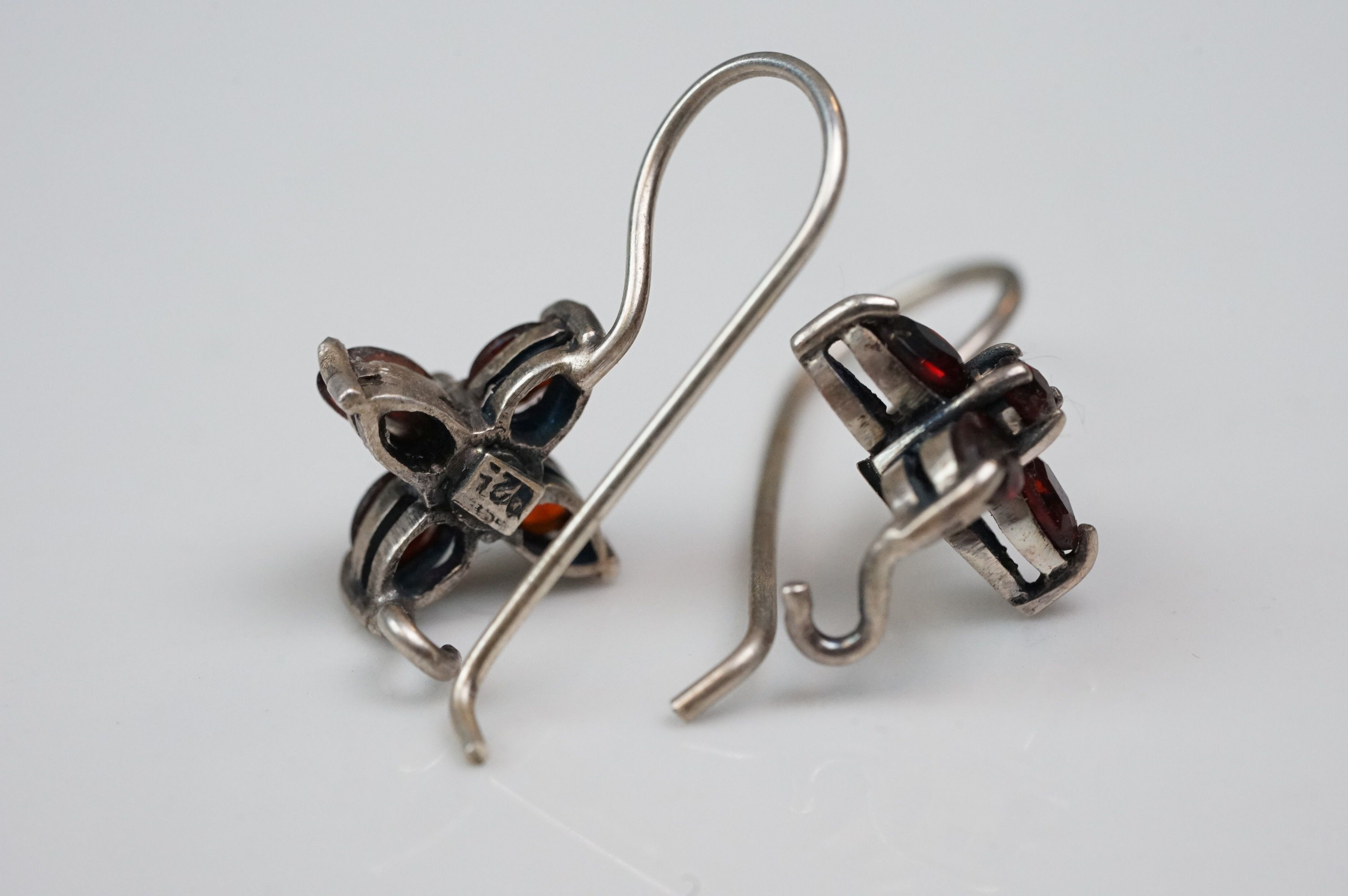 Pair of silver drop earrings, set with garnets - Image 4 of 4
