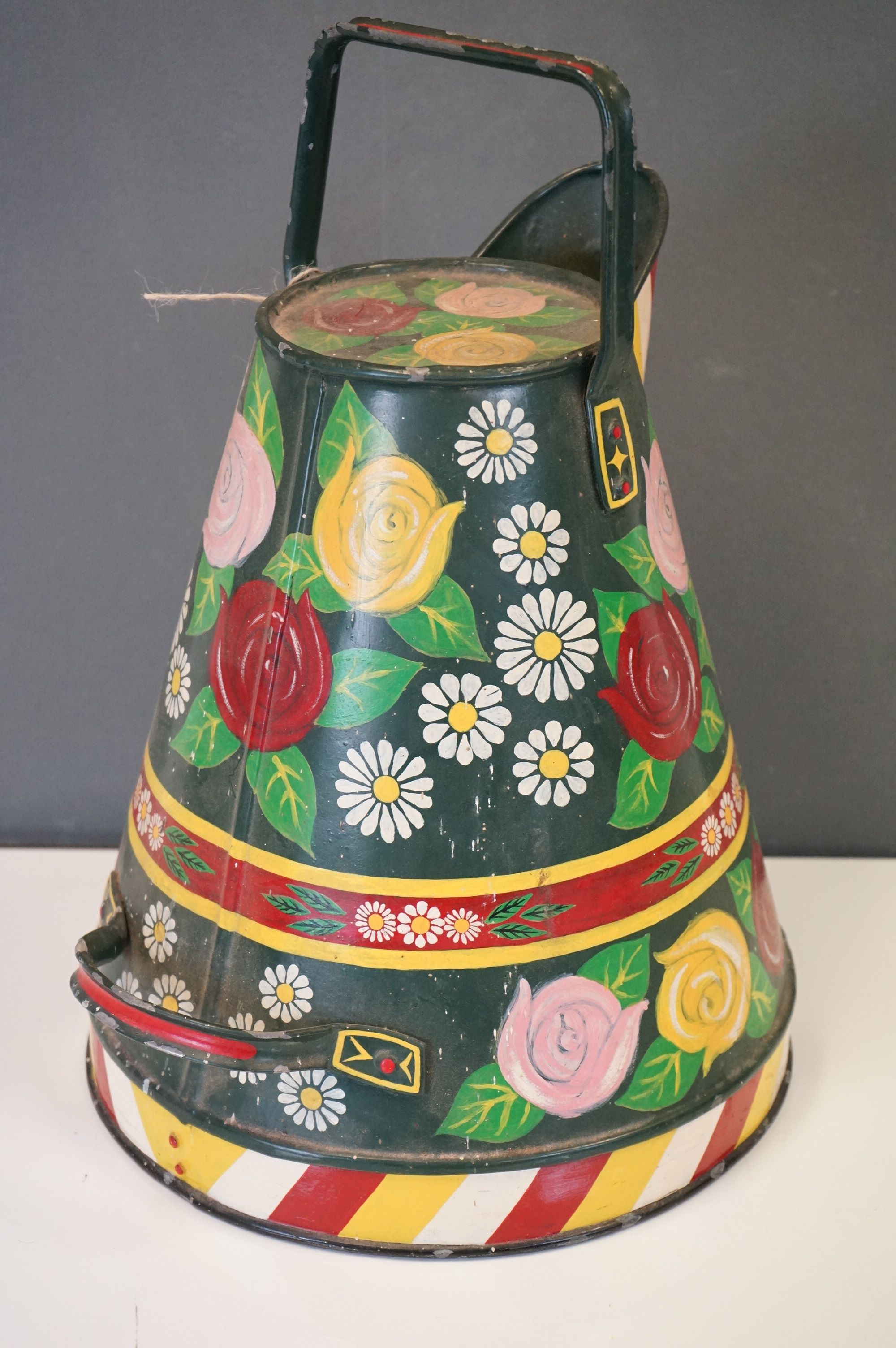 A barge ware water can with hand painted floral decoration. - Image 2 of 5