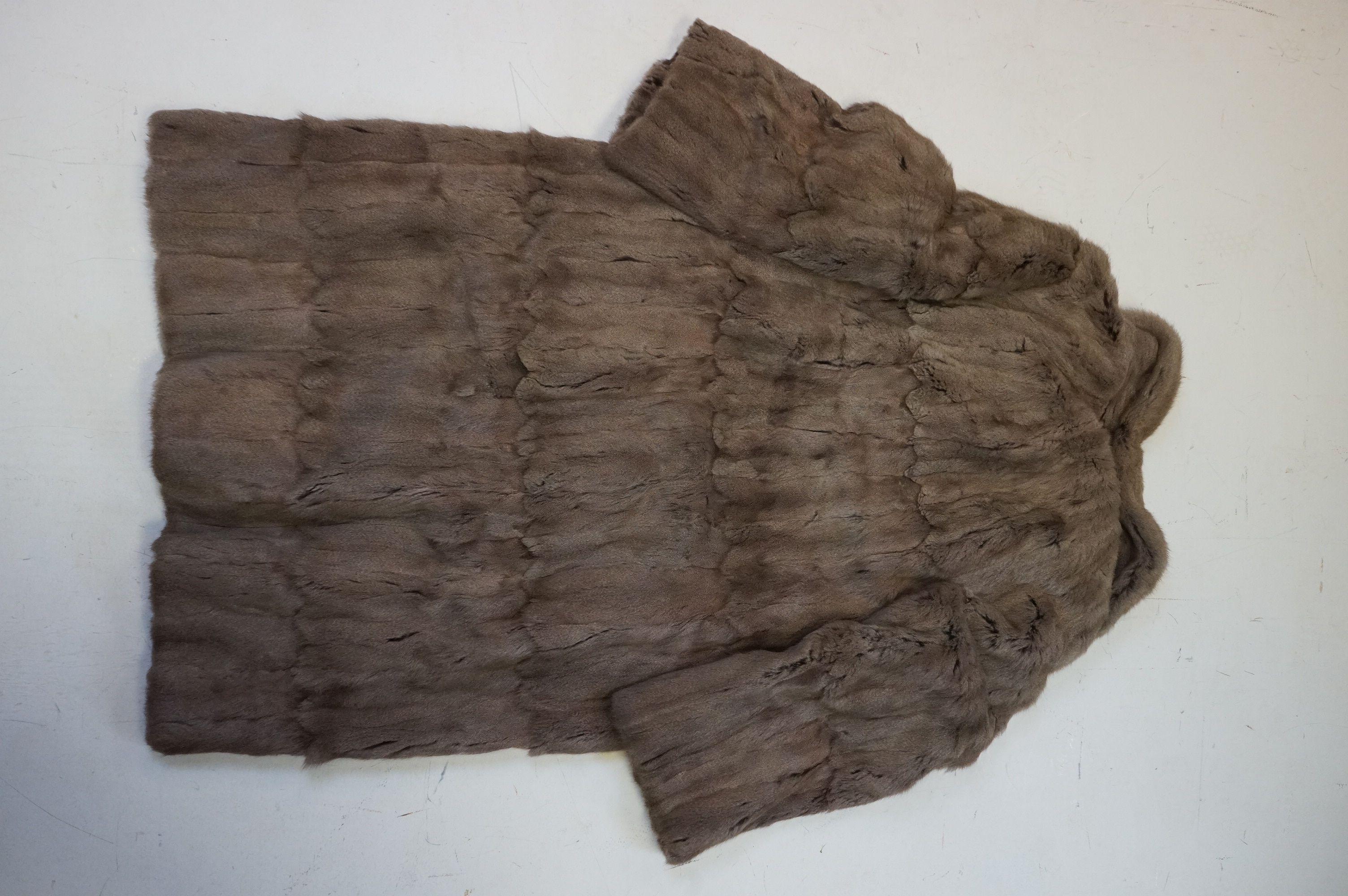 A vintage half length fur coat - Image 5 of 5