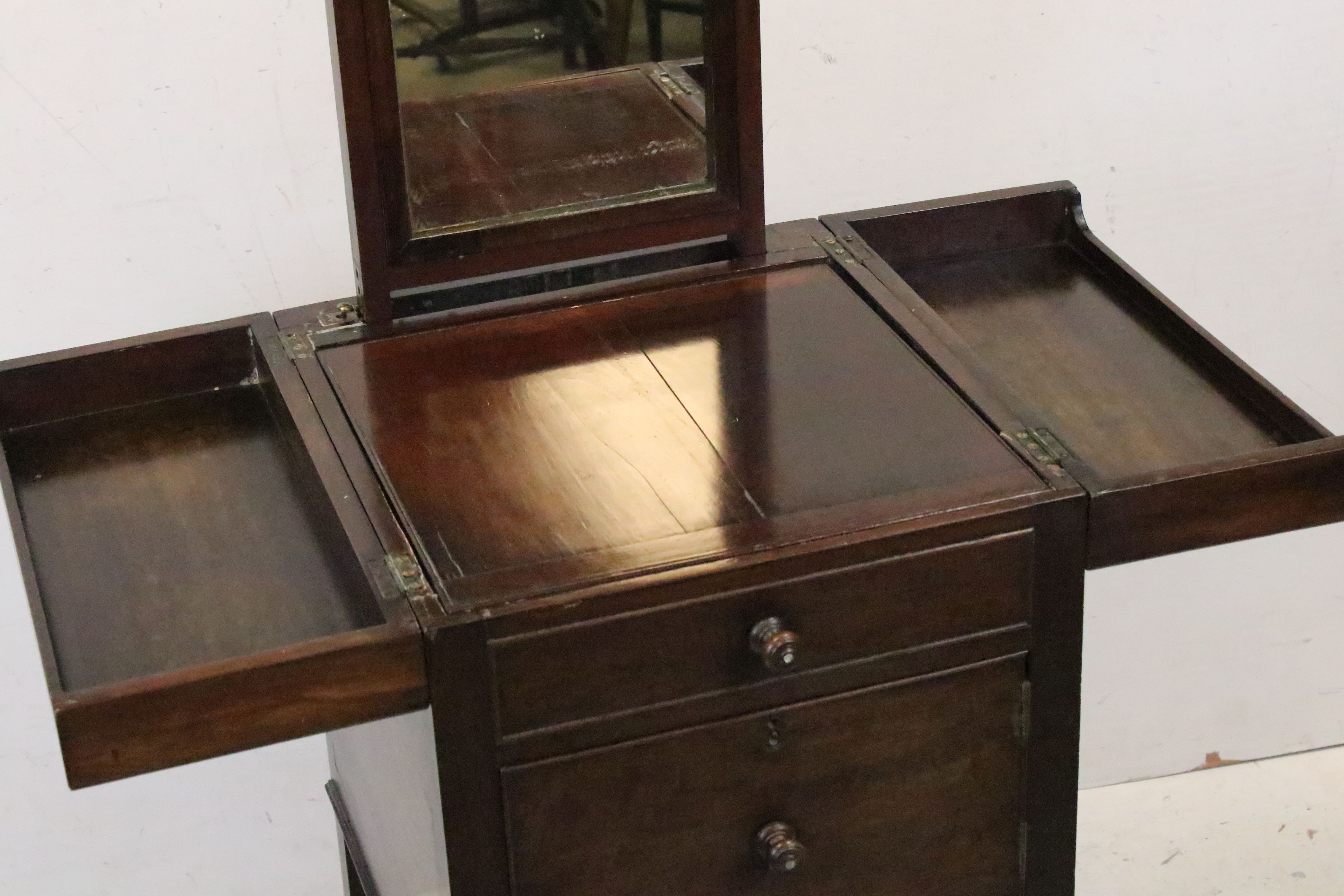 George III Mahogany Nightstand, the double hinged top opening to a pull-up mirror and lift up - Image 6 of 6