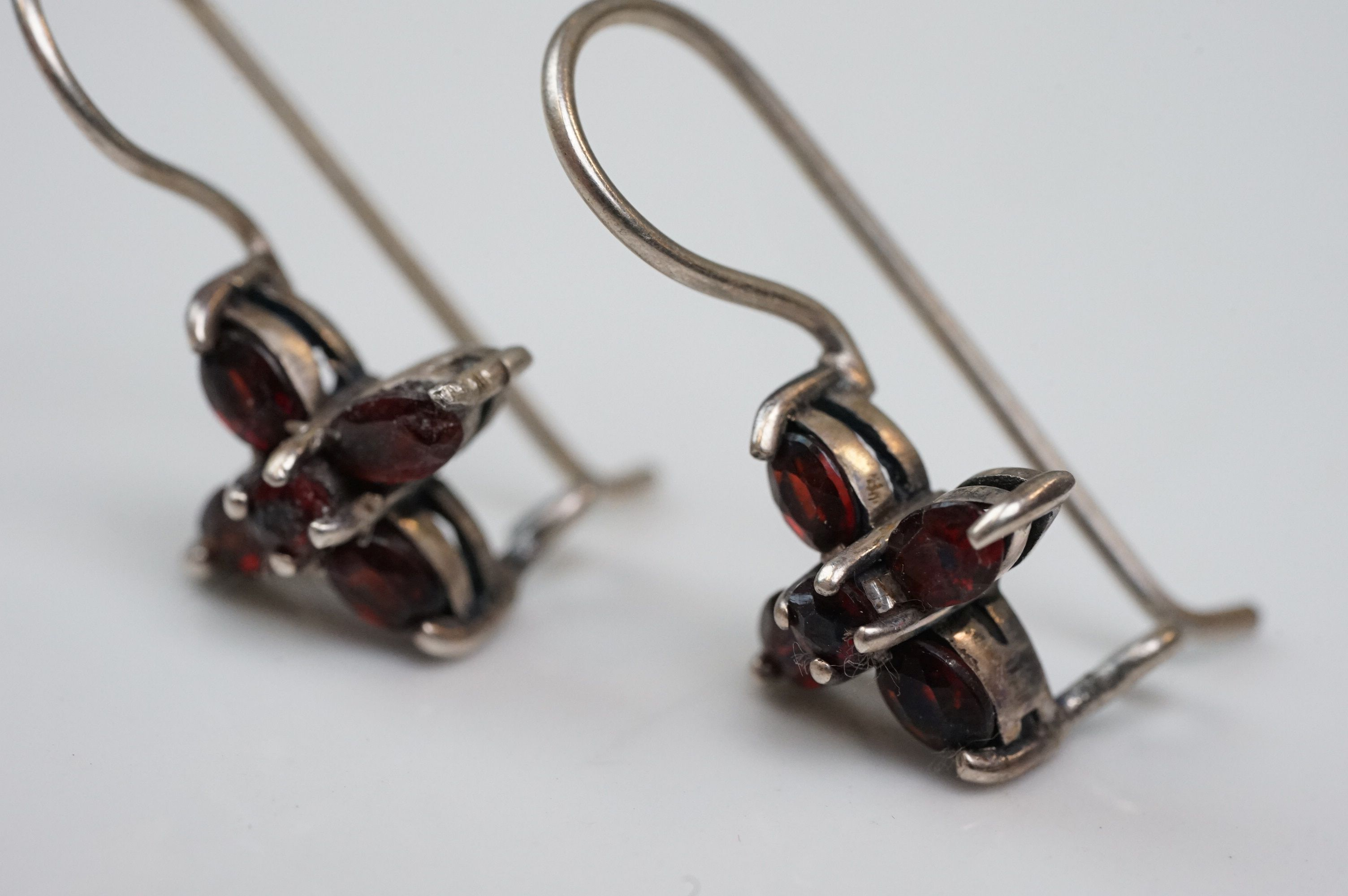 Pair of silver drop earrings, set with garnets - Image 3 of 4