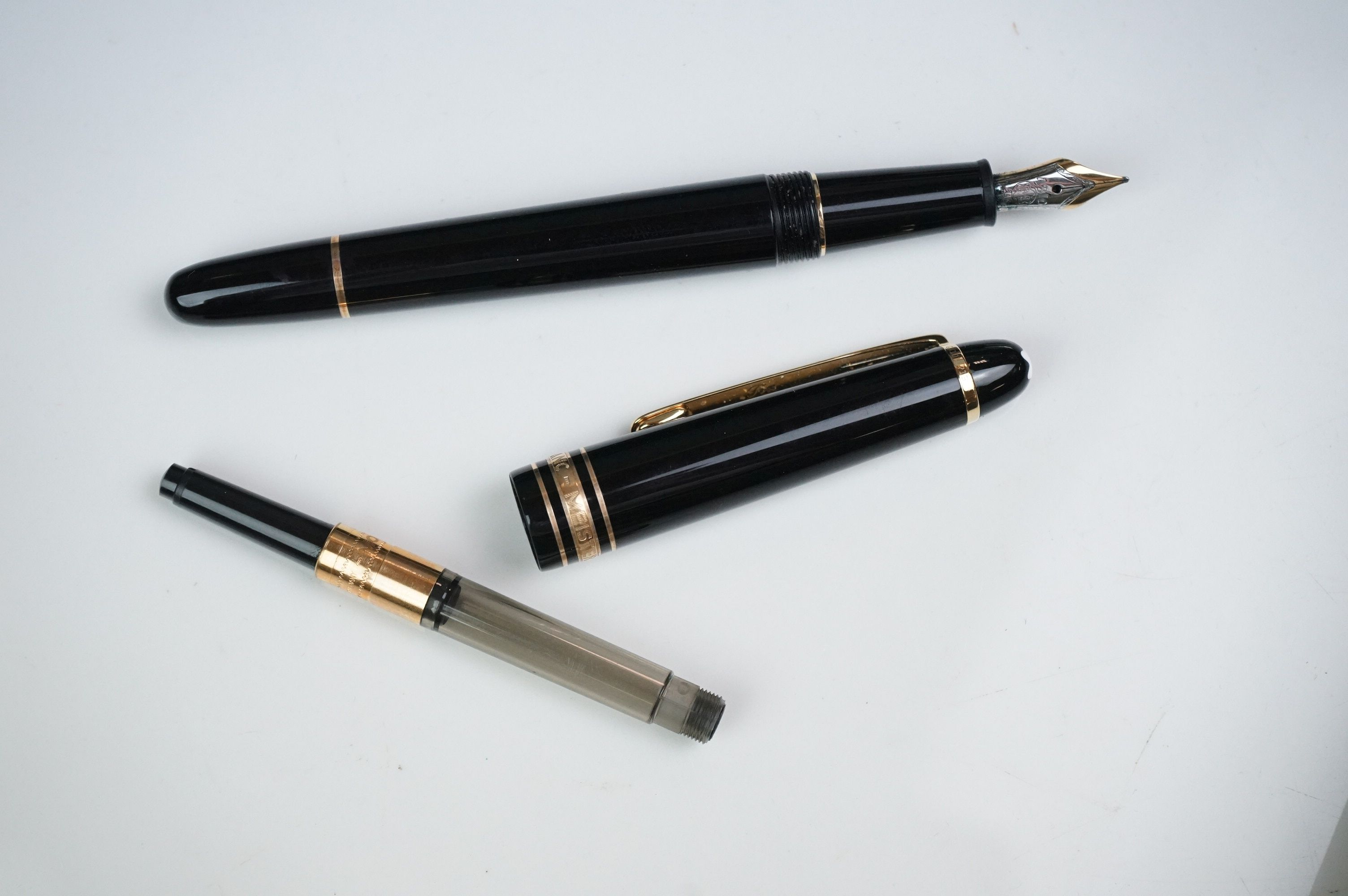 Mont Blanc Meisterstuck Hommage A Frederic Chopin fountain pen, model 145 M, with CD, service