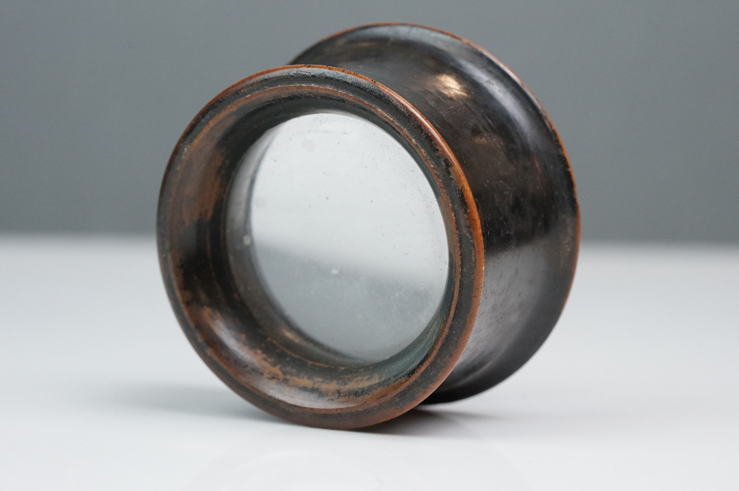 A 19th century wooden magnifying loupe. - Image 3 of 4