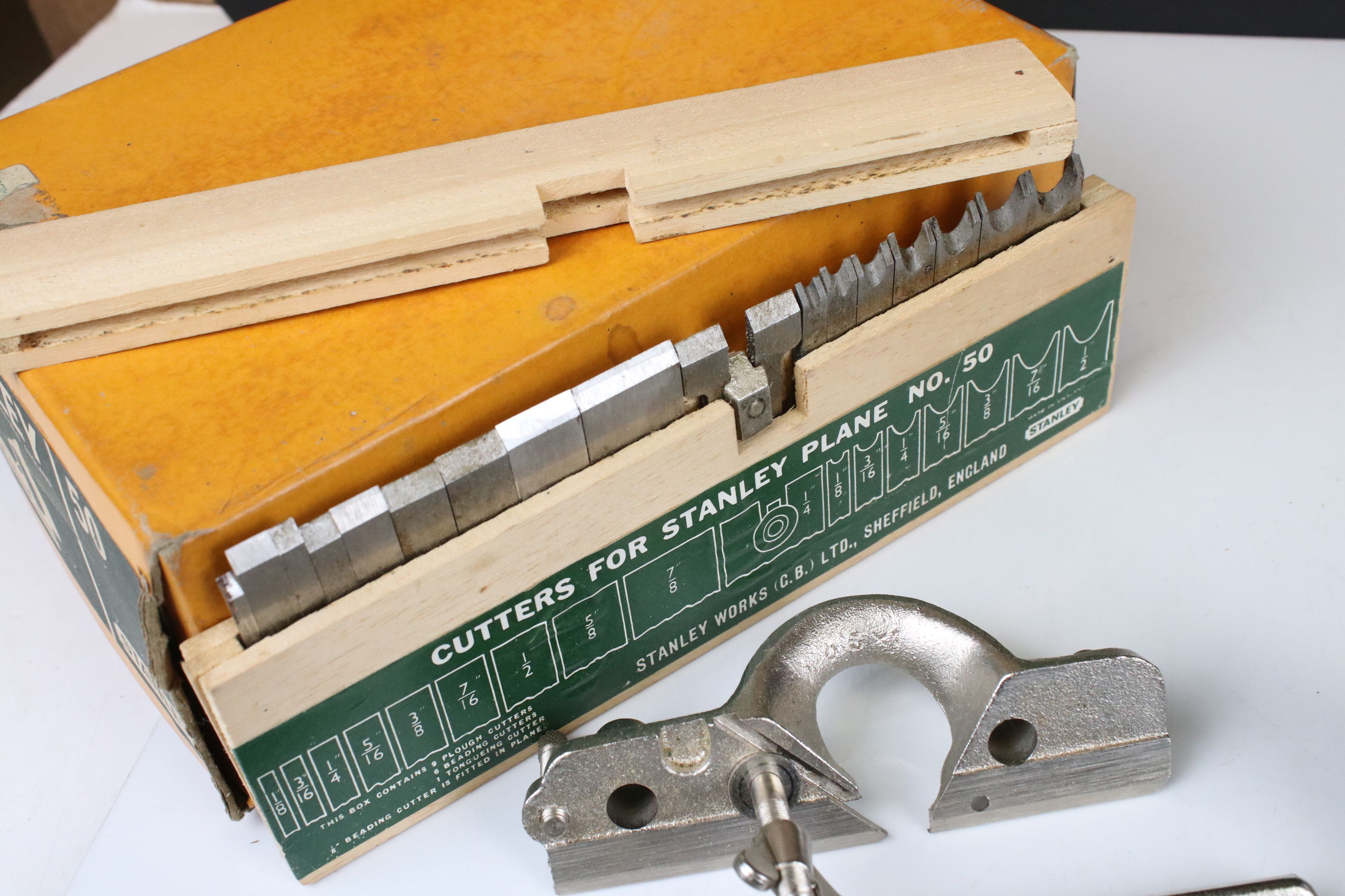 Boxed Stanley No. 50 Combination Plane together with a Stanley No. 71 Router Plane - Image 4 of 7