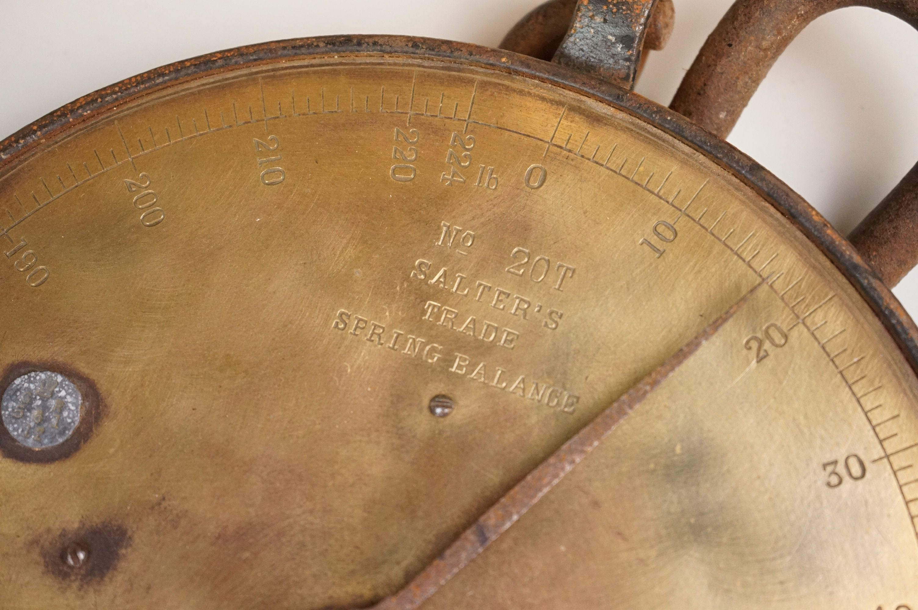 A set of vintage brass Salters scales No.20T together with a Great Western Railway wall plaque. - Image 3 of 6