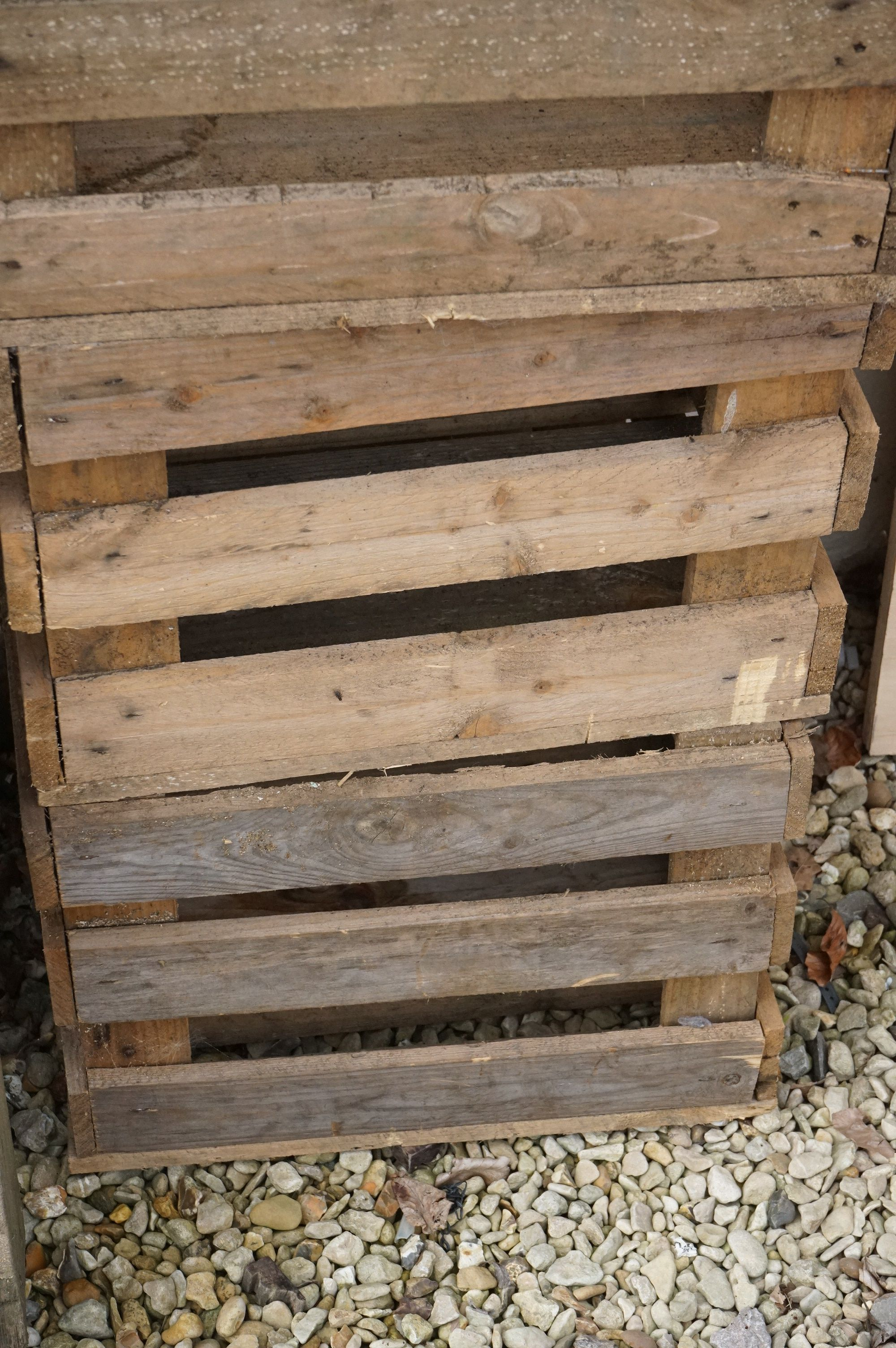Four stacking pine crates for apples / vegetables - Image 3 of 4