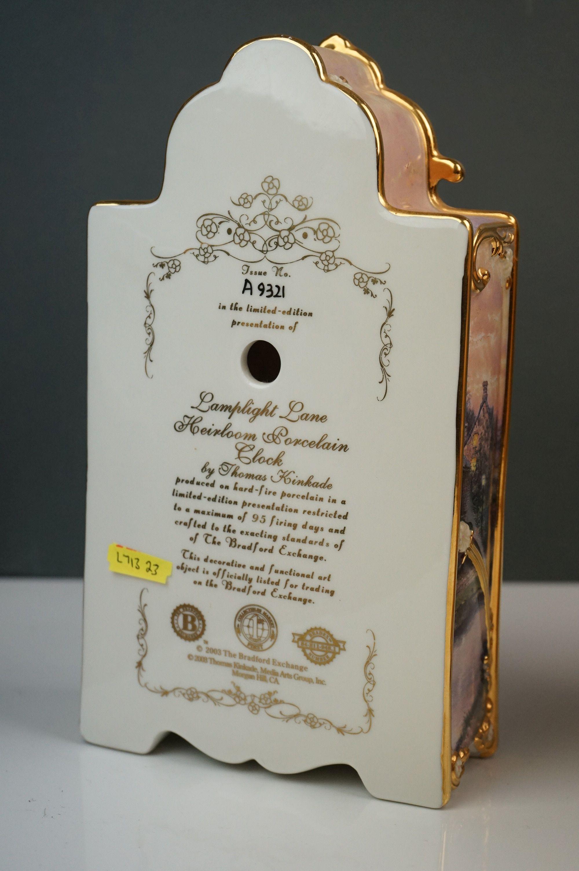 Bradford Exchange Lamplight Lane Heirloom porcelain clock by Thomas Kinkade, issue no. A9321, - Image 3 of 9