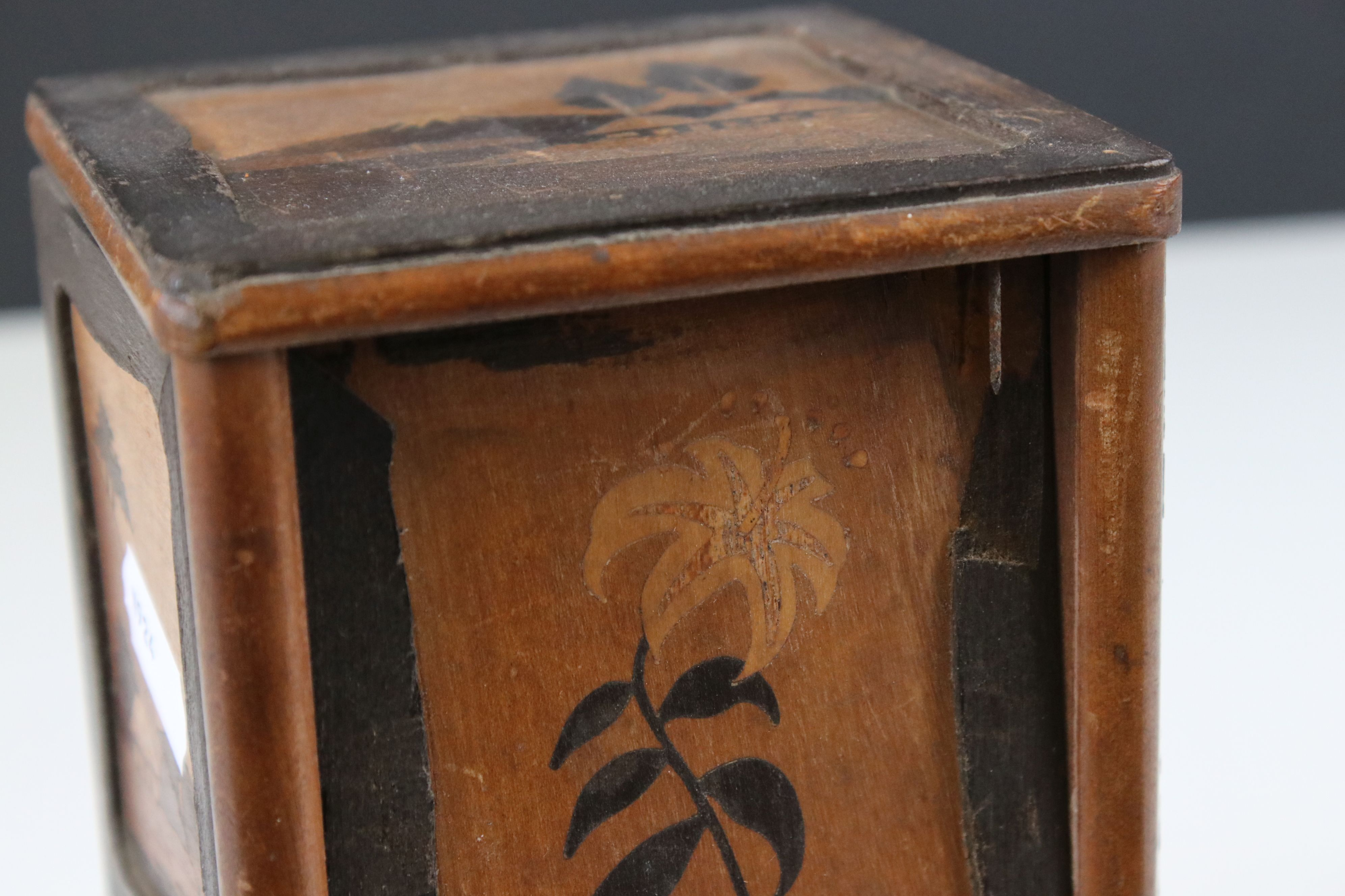 Japanese Wooden Inlaid Table Cigarette Dispenser, decorated with scenes of Mount Fuji, Flowers and - Image 4 of 5