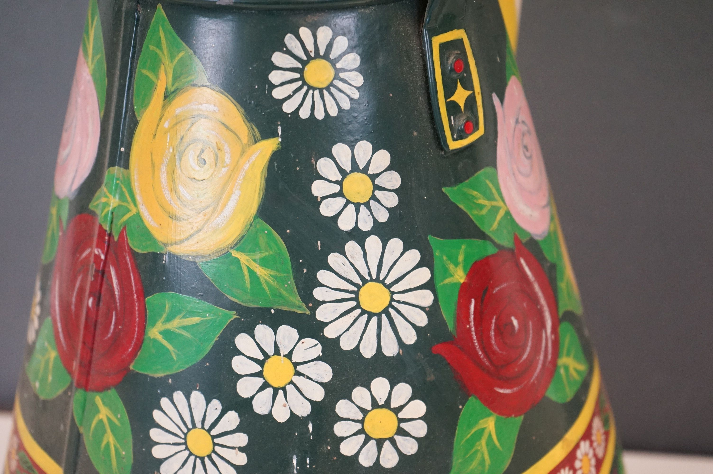 A barge ware water can with hand painted floral decoration. - Image 3 of 5