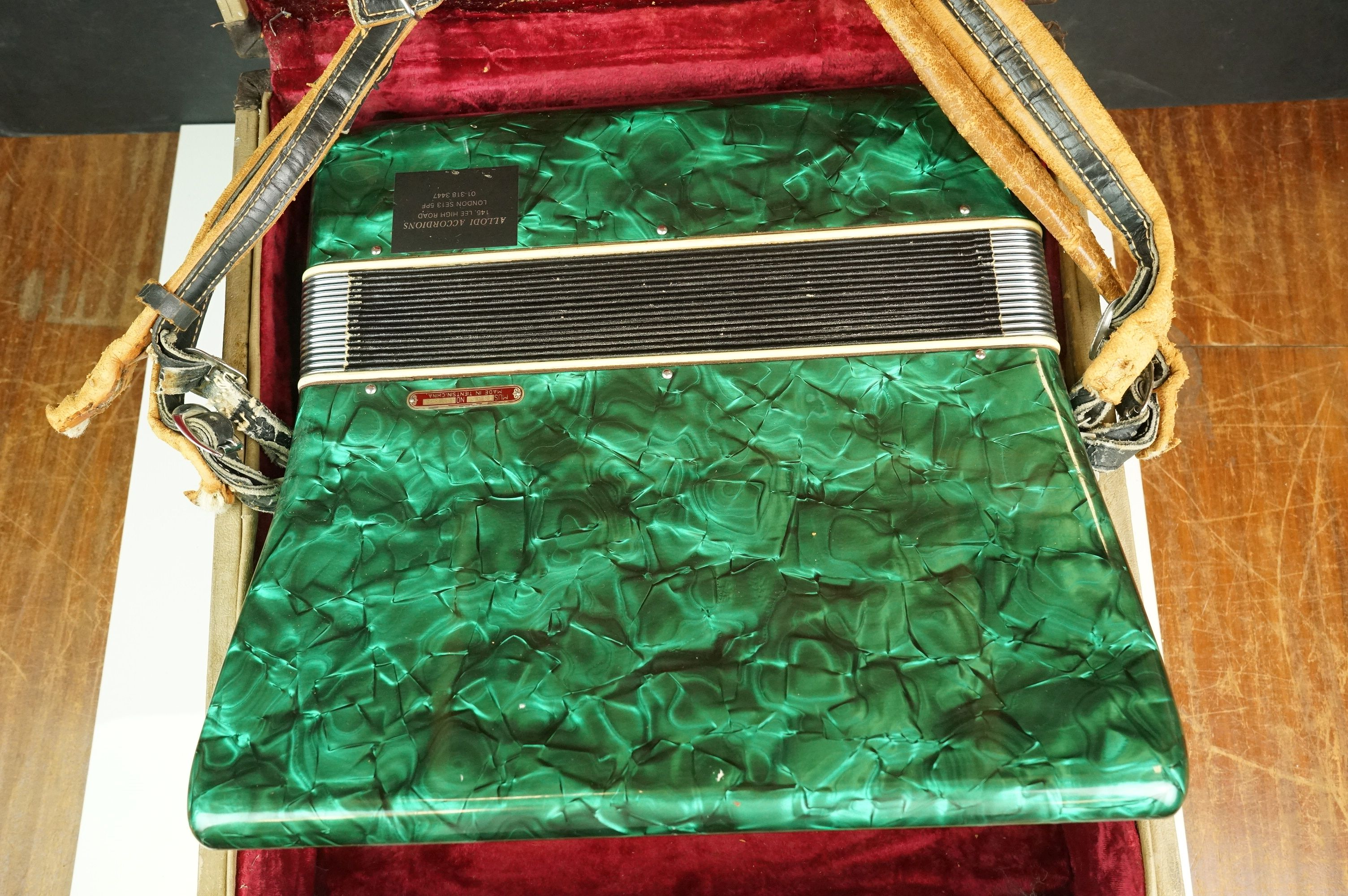 A vintage Parrot Accordion in green in original fitted case. - Image 9 of 10