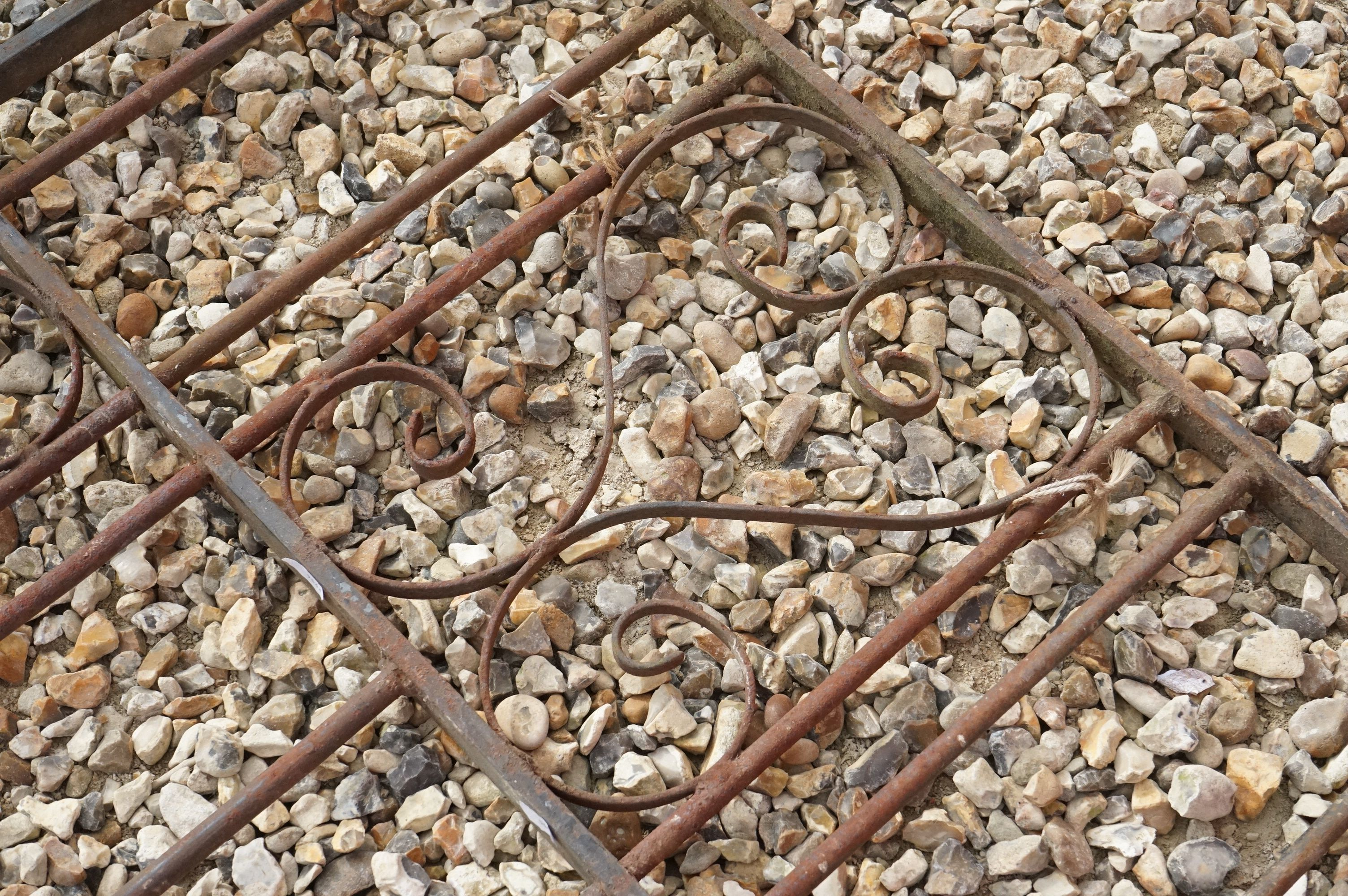 A vintage wrought iron Garden gate. - Image 3 of 5