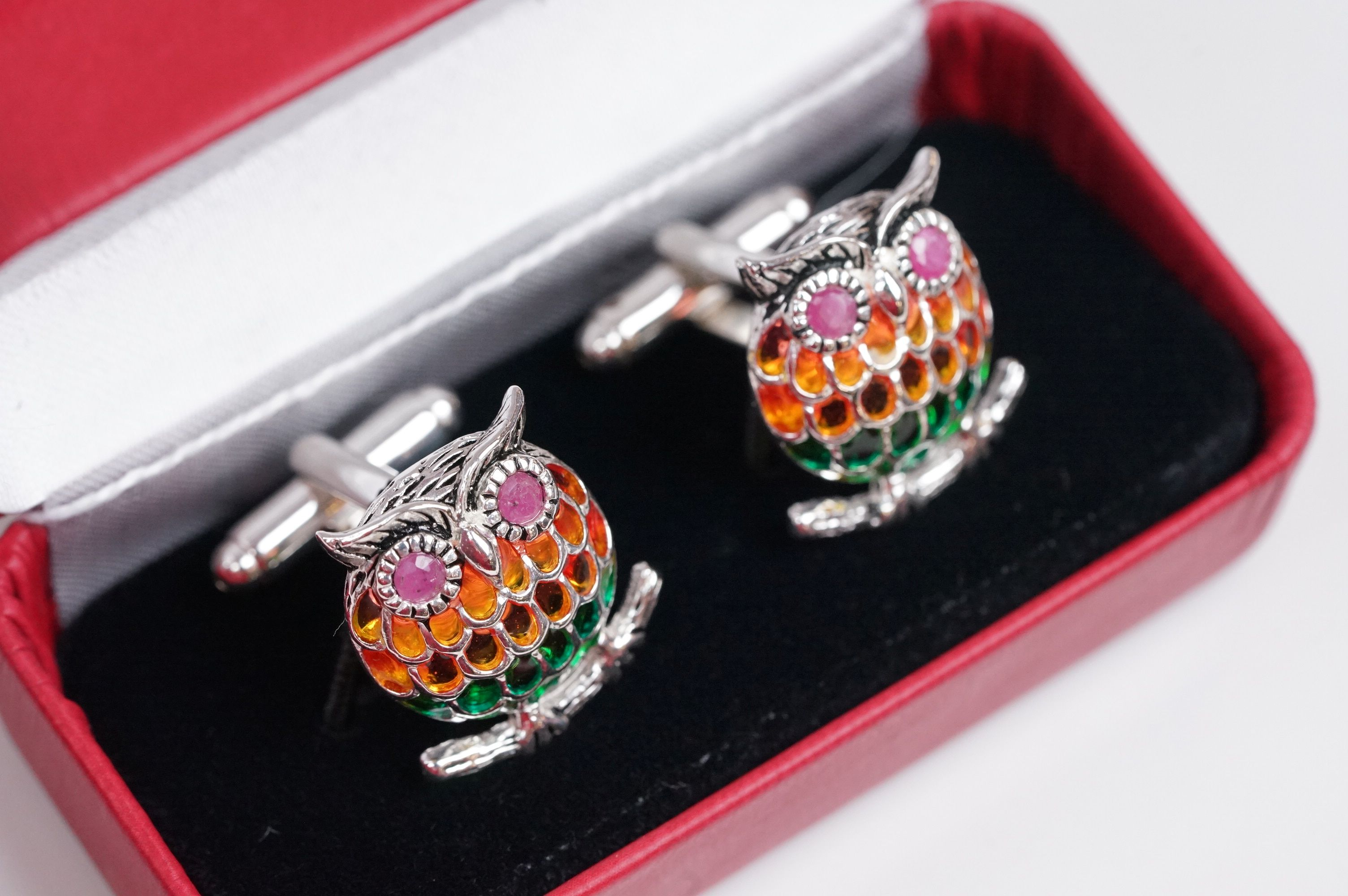 Pair of silver plique-a-jour owl cufflinks, set with ruby eyes - Image 4 of 4