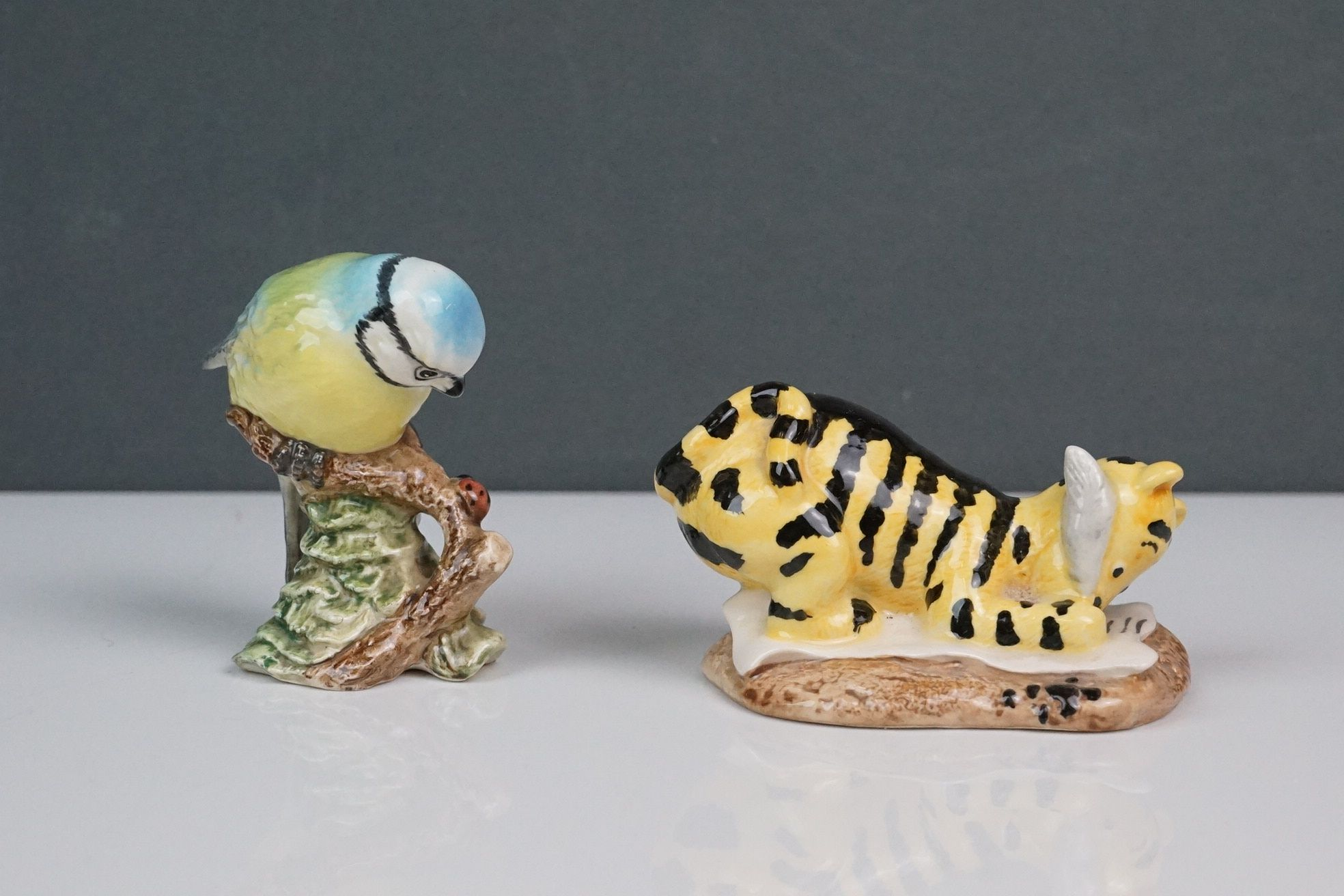 A small collection of ceramic animals to include Beswick & Royal Doulton examples. - Image 5 of 6