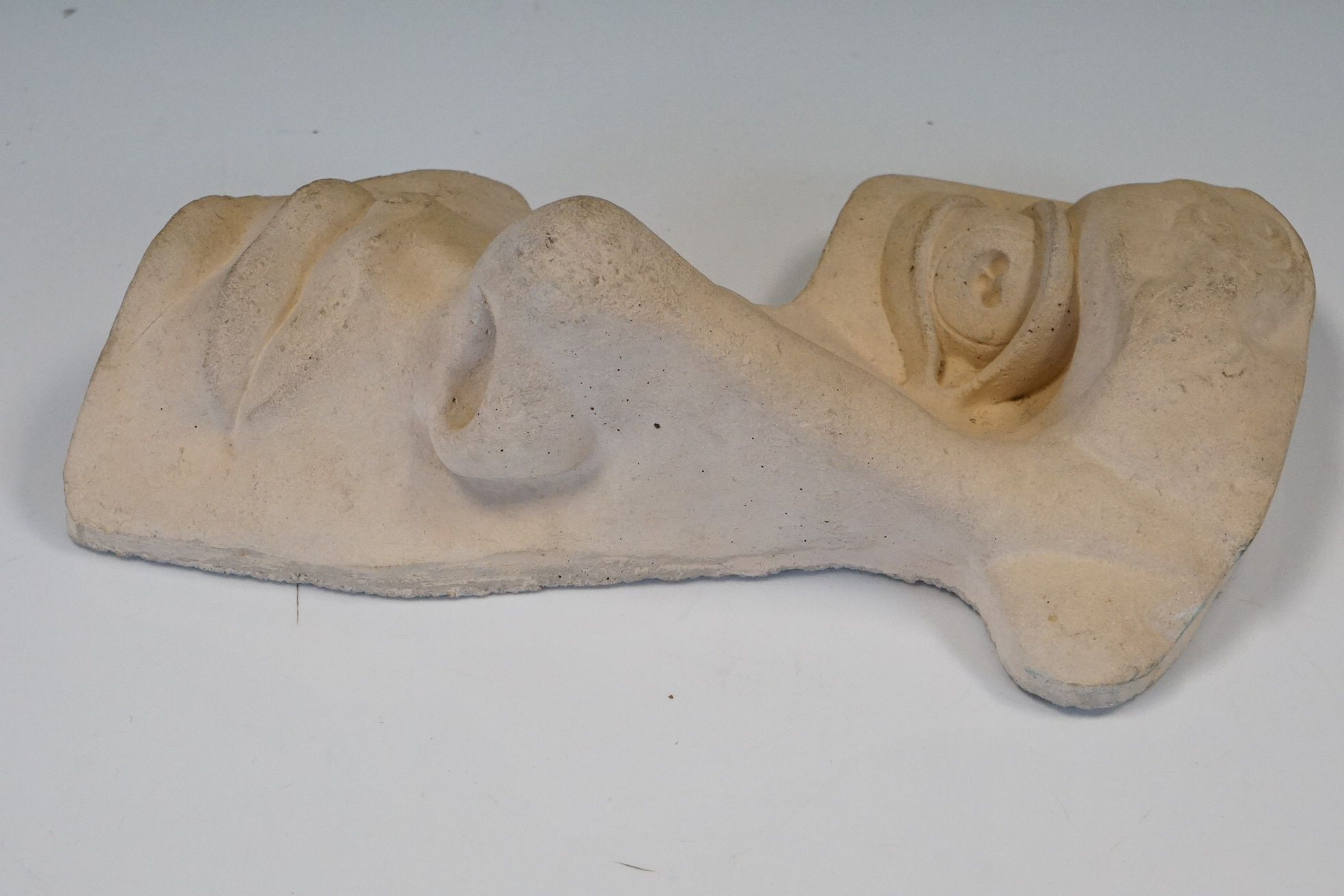 Contemporary stone sculpture of an opera mask / facial figure - Image 2 of 4