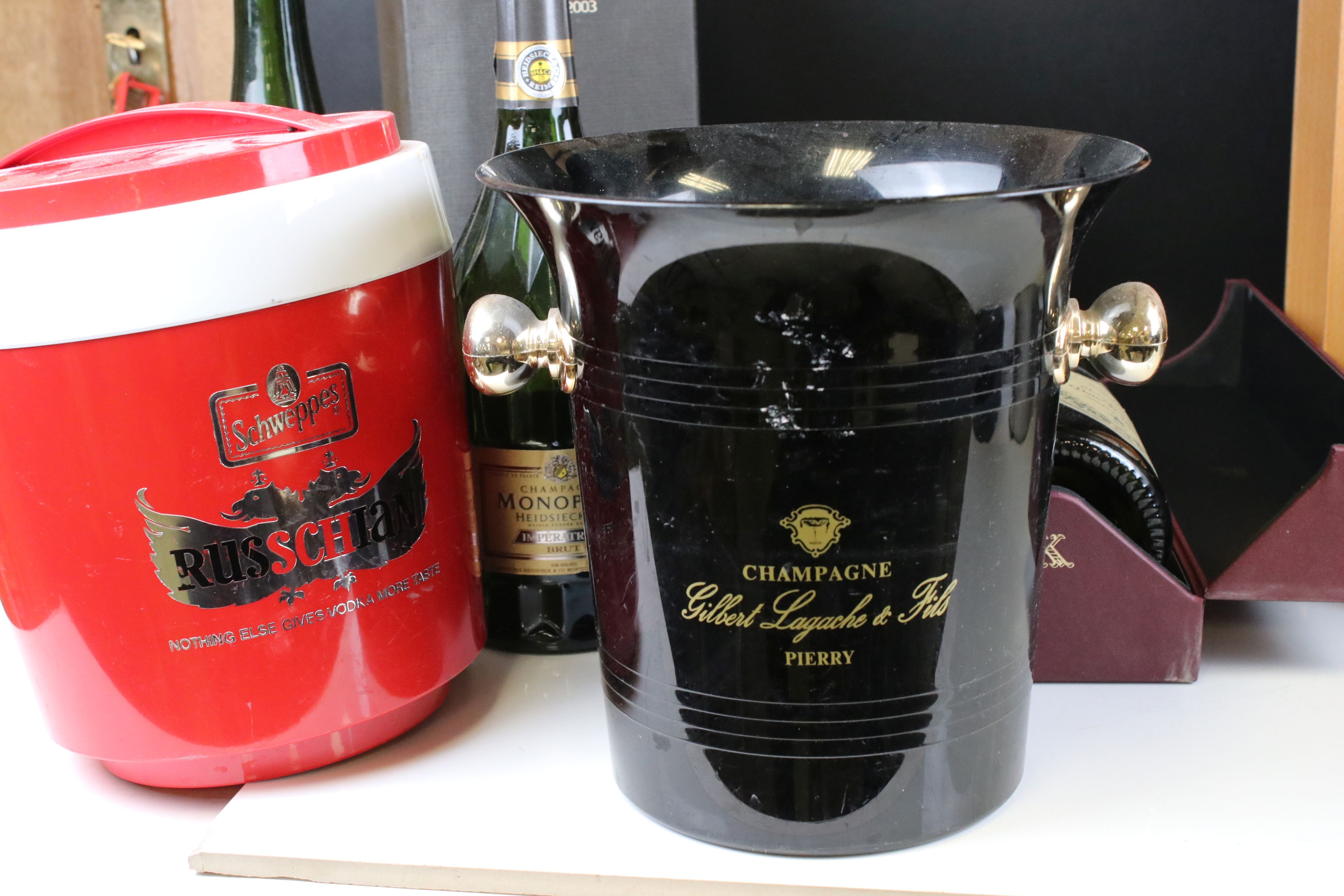 Moet & Chandon Top Hat Ice Bucket together with Five Further Ice Buckets, Moet & Chandon Glass - Image 2 of 8