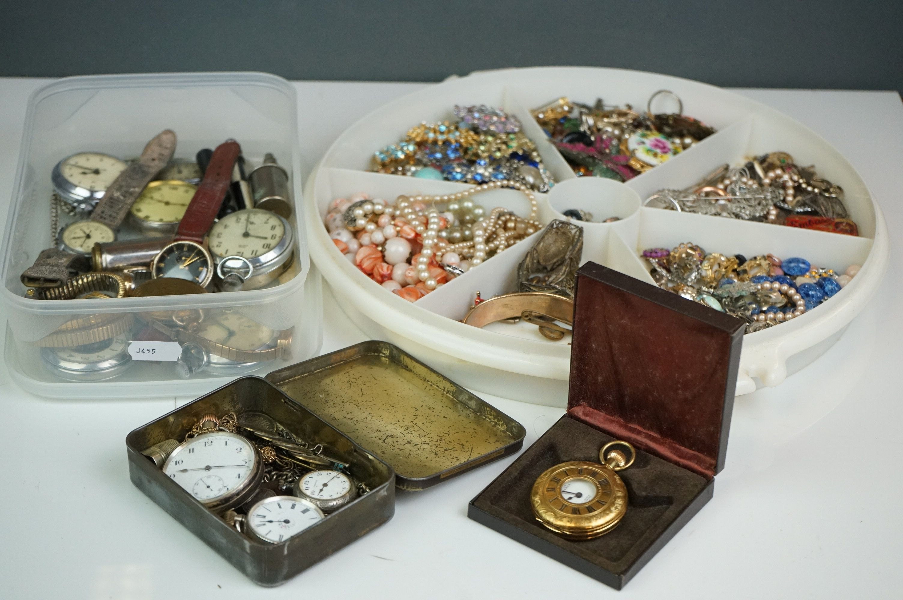 A collection of vintage costume jewellery to include gold and silver examples together with a