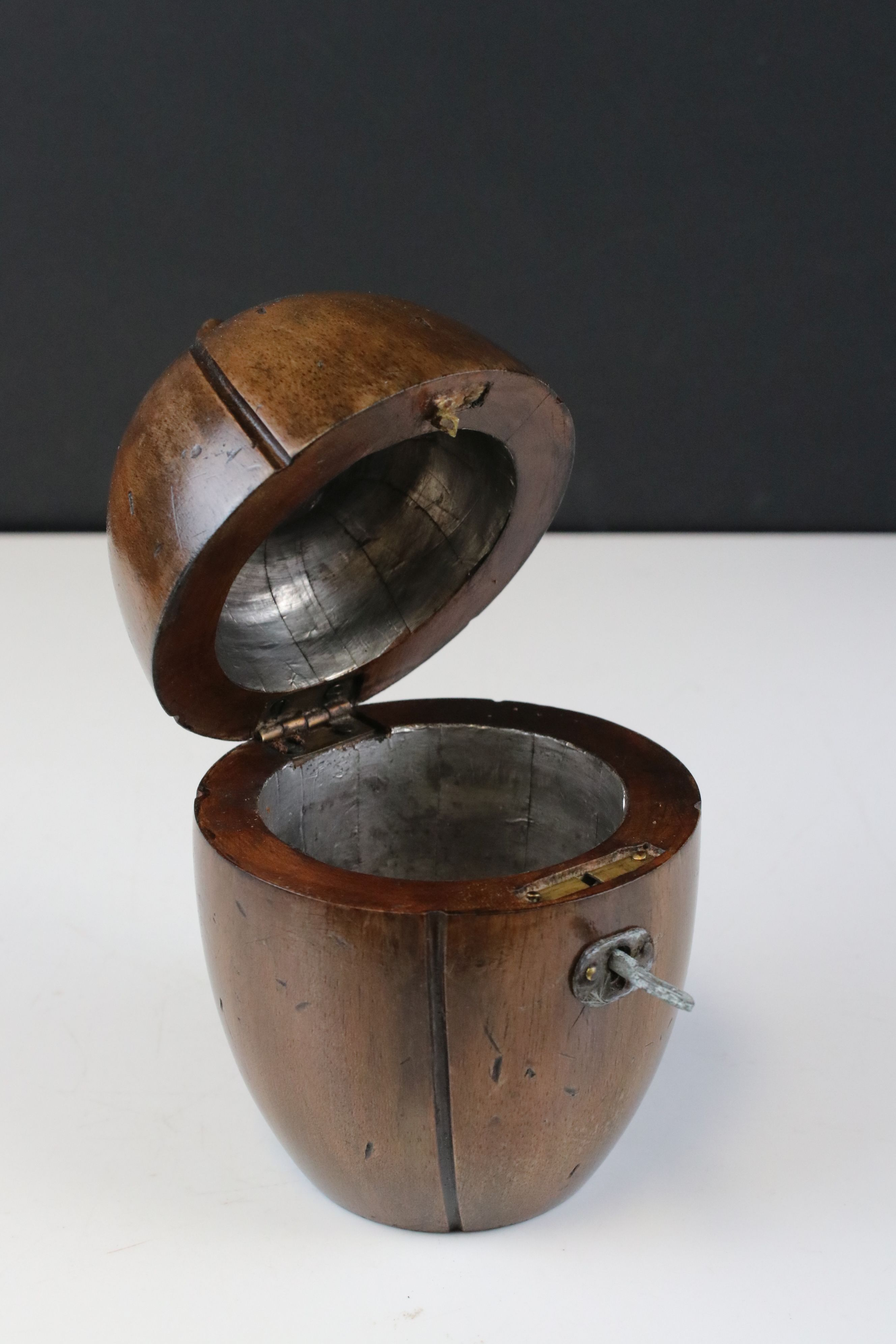 Georgian style fruitwood tea caddy in the form of a piece of fruit - Image 2 of 2