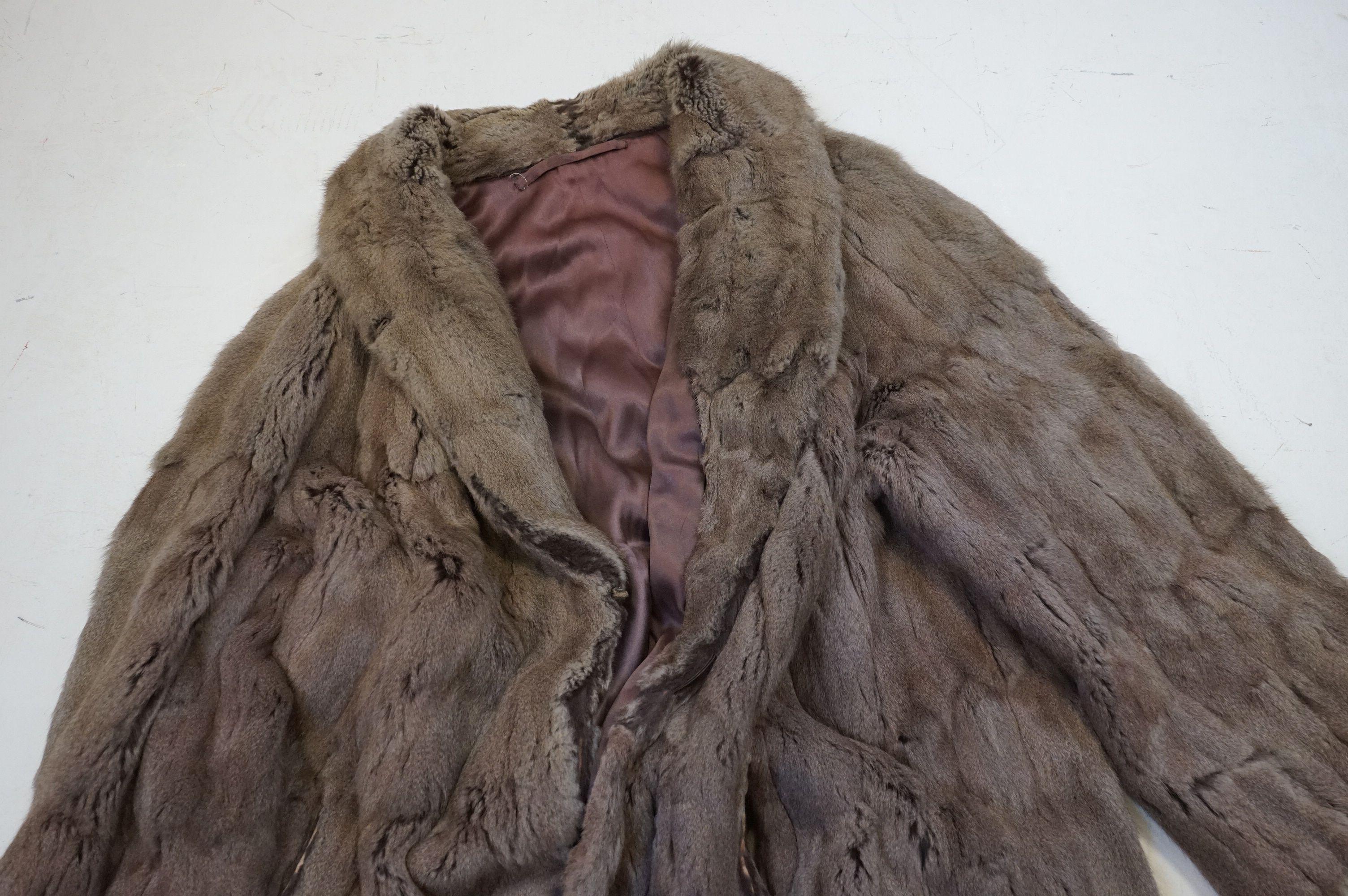 A vintage half length fur coat - Image 2 of 5