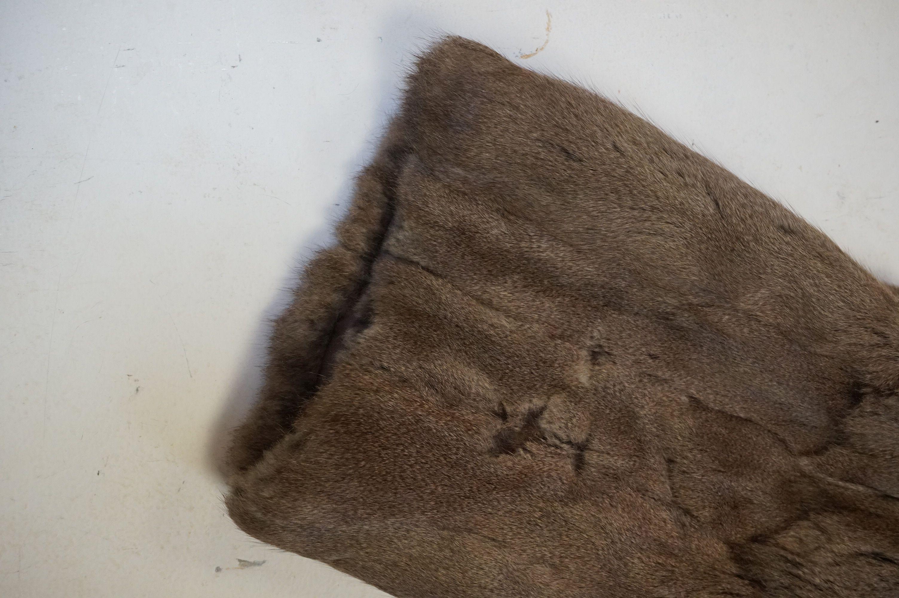 A vintage half length fur coat - Image 4 of 5