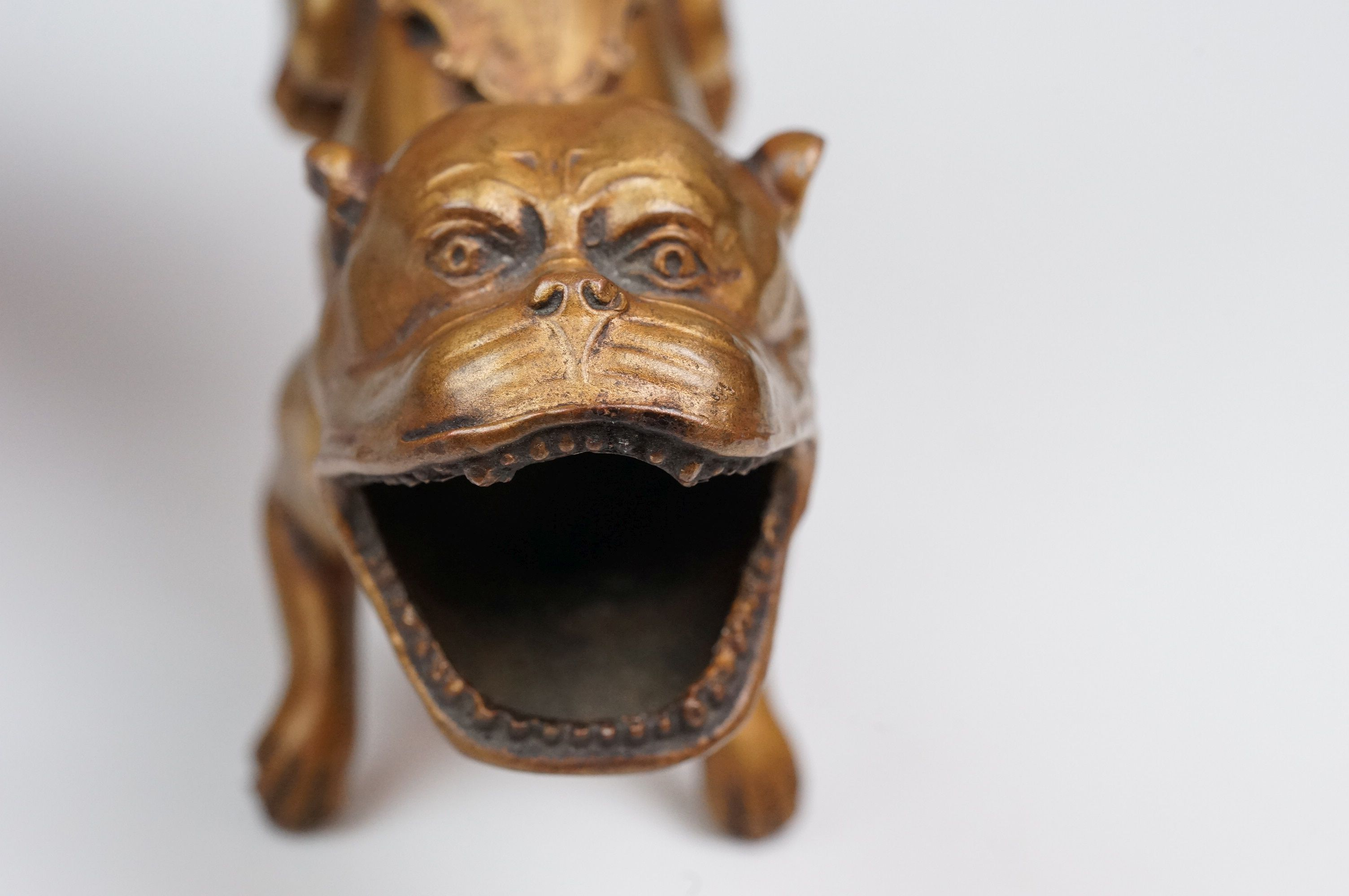 Woolworth Building New York paperweight in the form of a dog with mouth open and Woolworth Buildings - Image 9 of 9