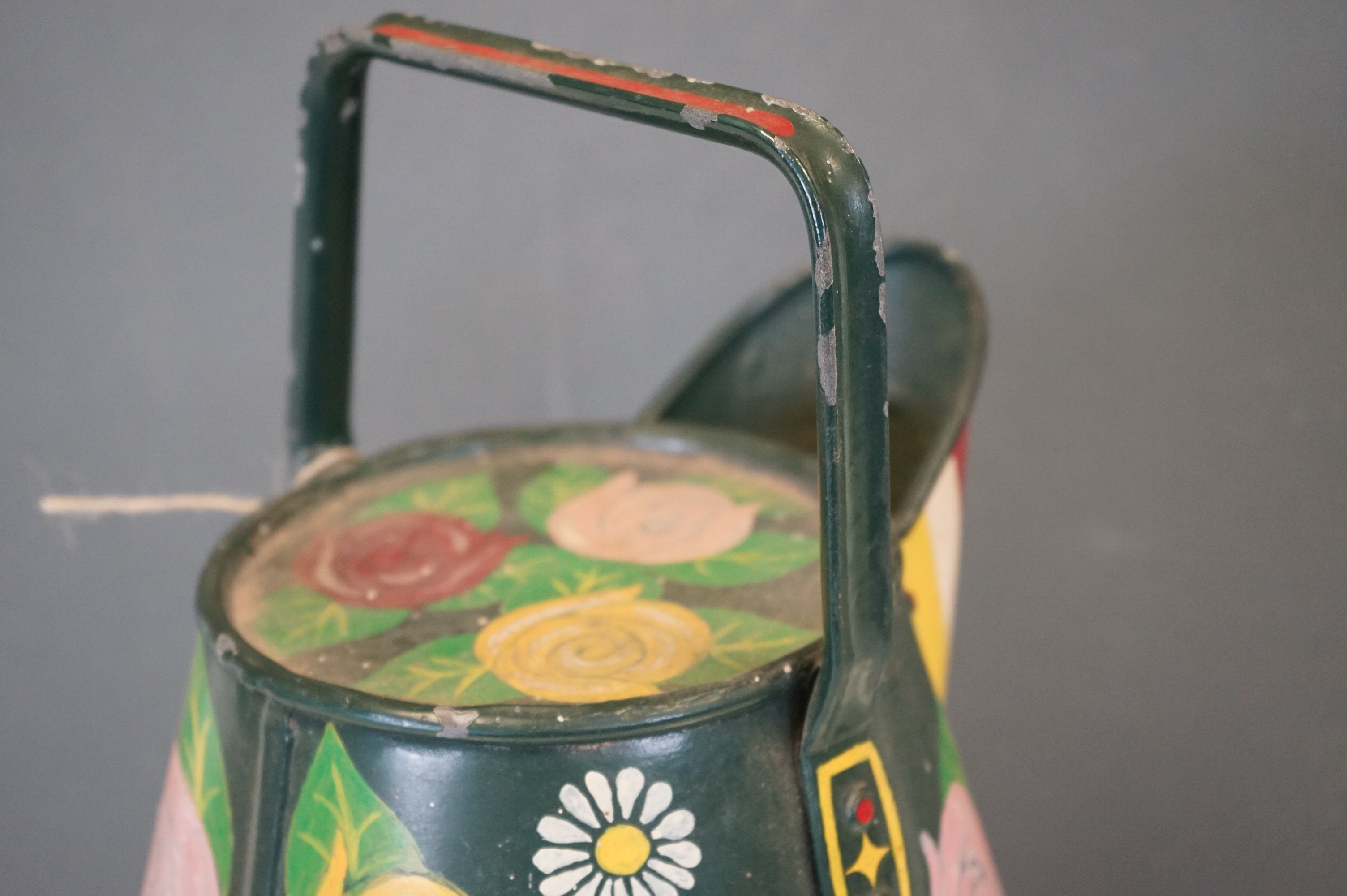 A barge ware water can with hand painted floral decoration. - Image 5 of 5