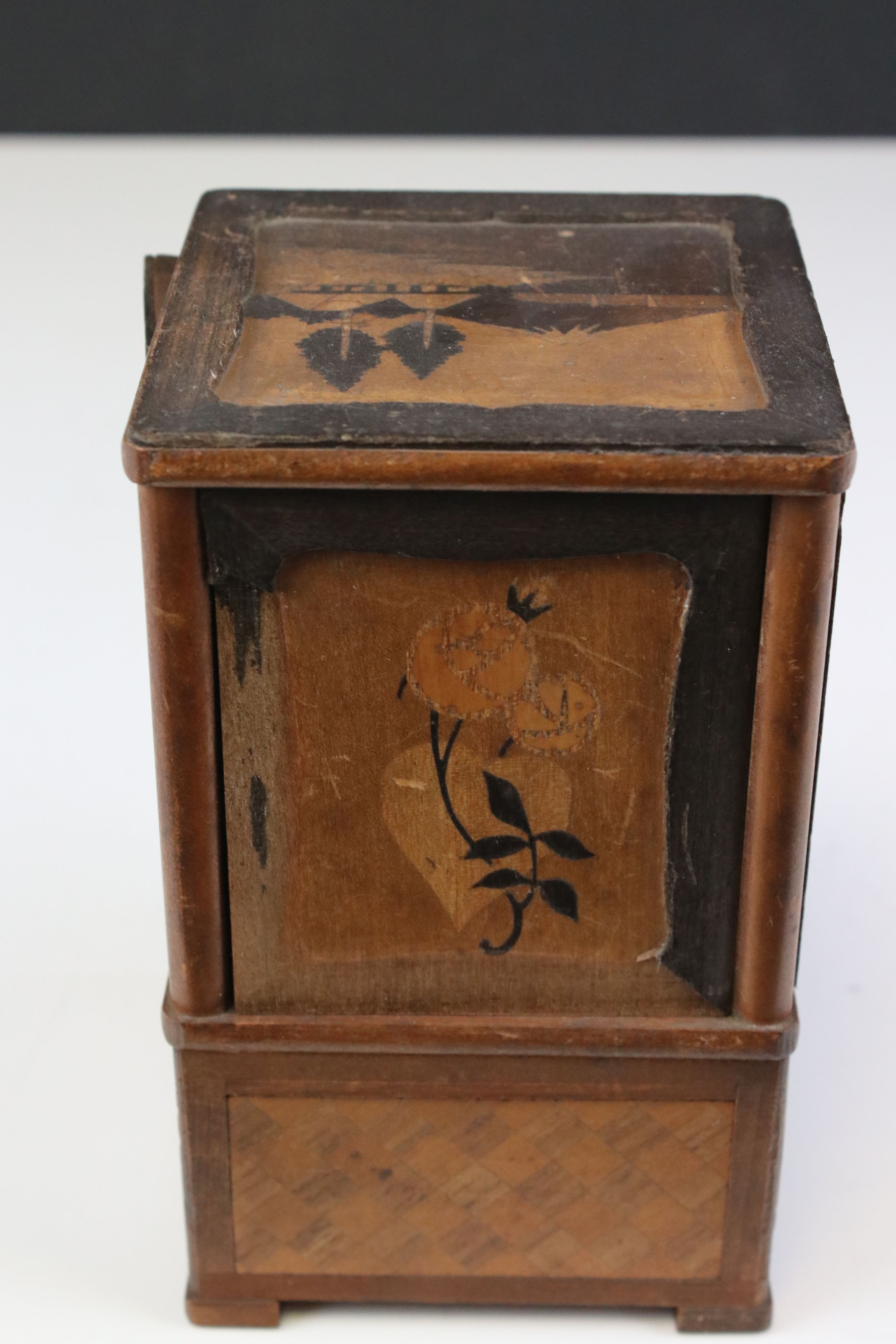 Japanese Wooden Inlaid Table Cigarette Dispenser, decorated with scenes of Mount Fuji, Flowers and - Image 3 of 5