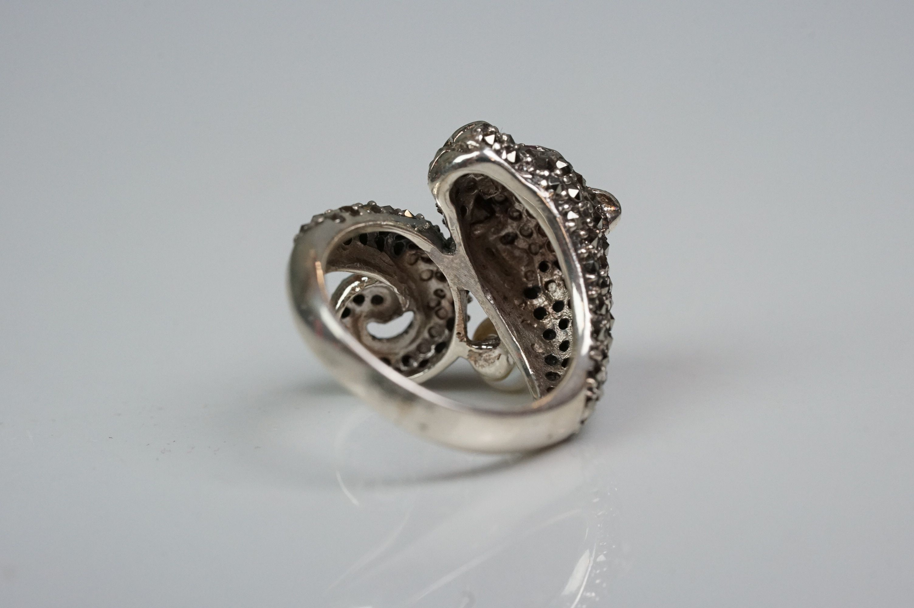 Silver panther ring, set with marcasites and ruby eyes - Image 6 of 6