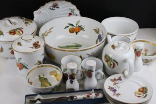 Royal Worcester ' Evesham ' Dinner and Tea Ware including Large Lidded Tureen, Plates, of Various
