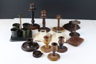 Collection of Bakelite, to include candlesticks, tape measure, desk tidy etc