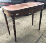 Superb Victorian good quality Gillows inspired card table, rectangular fold over top on turned
