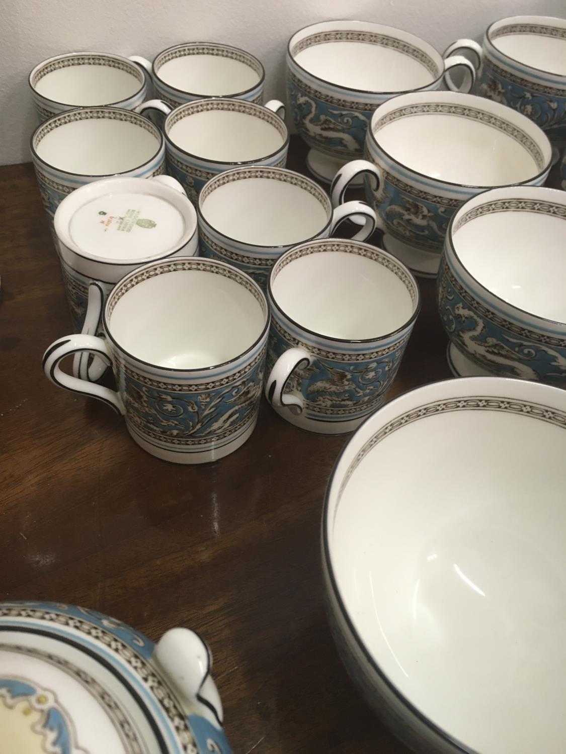 Wedgwood Classical Tea and Coffee set 8 place setting includes, coffee pot, tea pot, cream and - Image 7 of 7