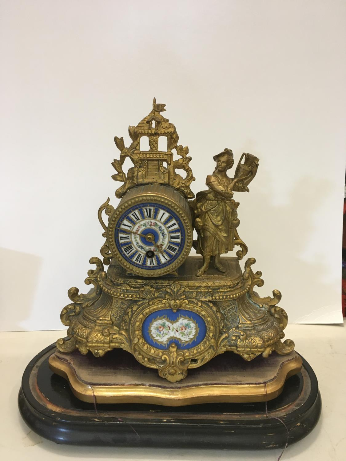 Gilt spelter mantle clock with figural Lady to the side, probably with Sevres plaques on original - Image 2 of 4