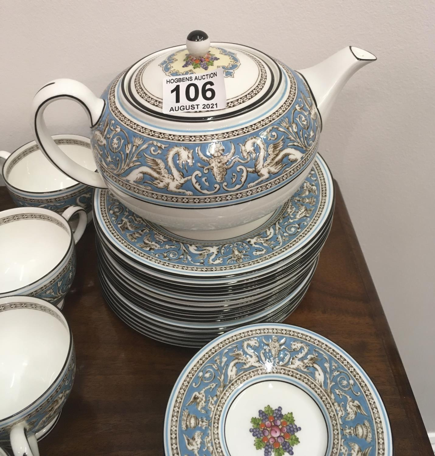 Wedgwood Classical Tea and Coffee set 8 place setting includes, coffee pot, tea pot, cream and - Image 6 of 7