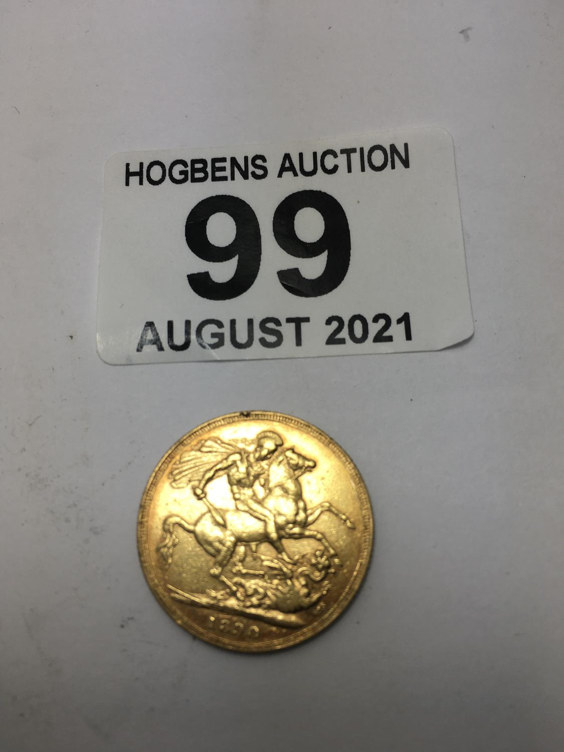 Full gold Victorian Sovereign, dated 1890 good condition