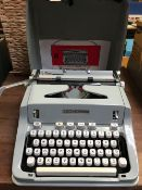 CASED HERMES 3000 TYPEWRITER - GOOD CONDITION