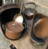 QTY OF COPPER ITEMS INCL; COAL SCUTTLE, KETTLE & PAN