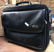 BLACK FABRIC LAPTOP CARRY CASE MADE BY TARGUS