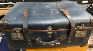 3 VINTAGE TRAVEL TRUNKS, SOME WITH KEYS & ONE MADE BY REGAL