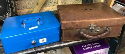 SMALL LEATHER SUITCASE & LARGE CASH BOX (2 KEYS)