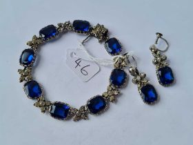 A EARLY VICTORIAN SILVER AND PASTE BLUE AND WHITE BRACELET AND EARRINGS