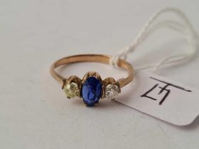 A sapphire and diamond vintage ring 9ct (tested) size M1/2 - 2.1 gms