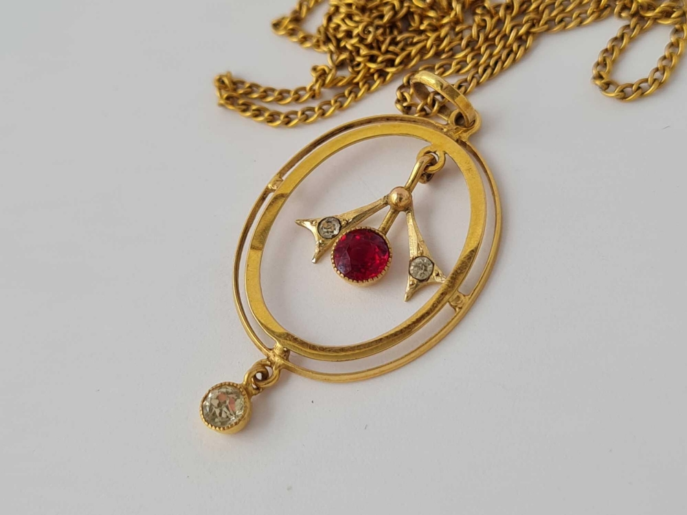A red & white stone floral 9ct pendant on 9ct chain 2.8g inc - Image 2 of 2