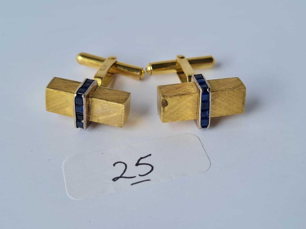 A STYLISH PAIR OF SAPPHIRE & 18CT GOLD cufflinks 12.3g inc