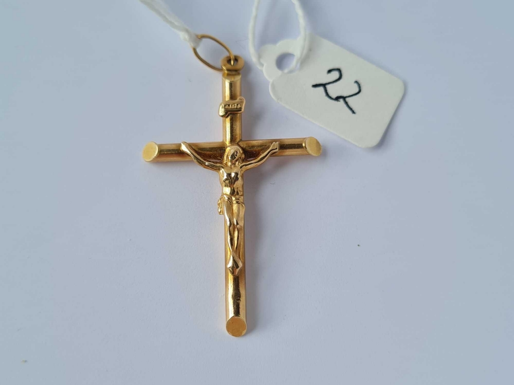 A large (5 cm long) 9ct crucifix 2g