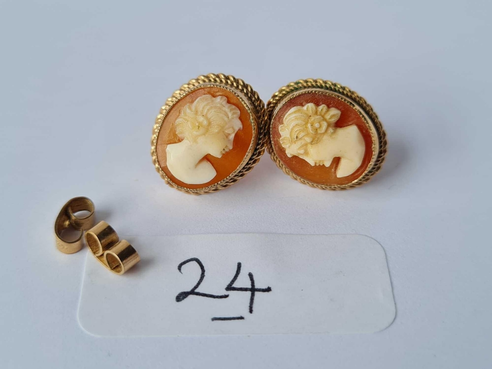 A pair of good 9ct cameo earrings 3.3g inc
