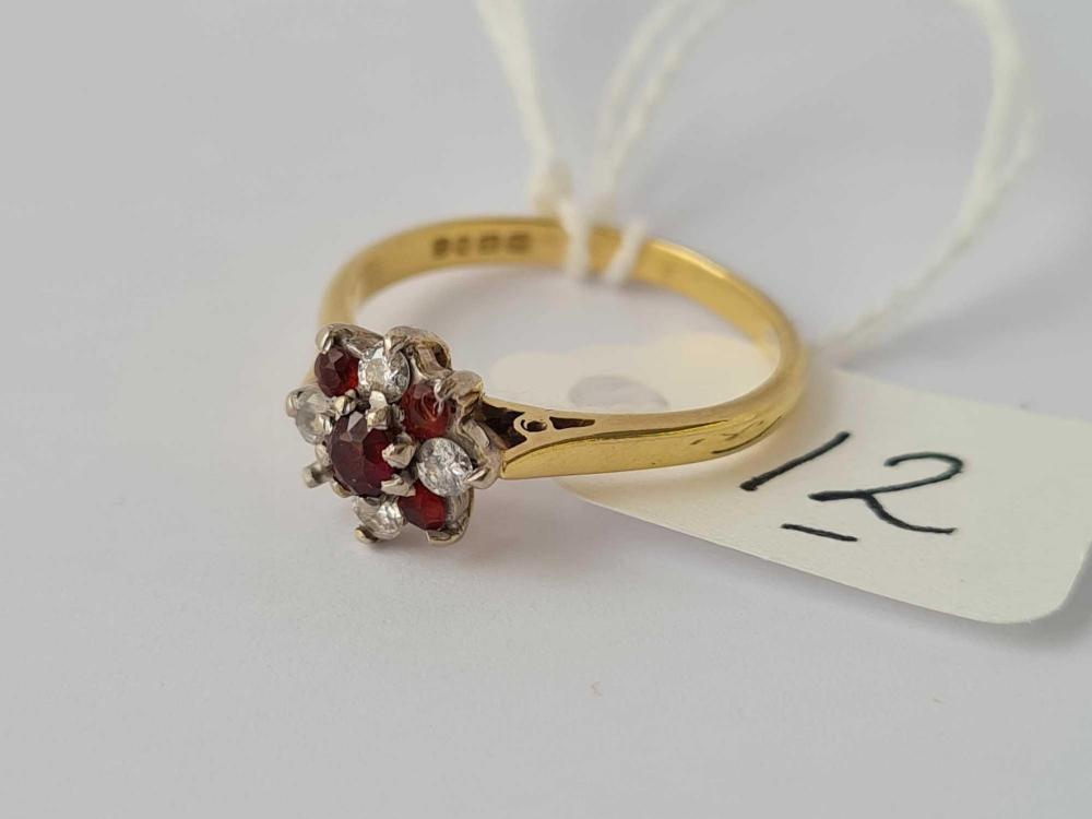 A diamond & garnet 18ct gold flower head ring (stone out)size M 3.2g inc