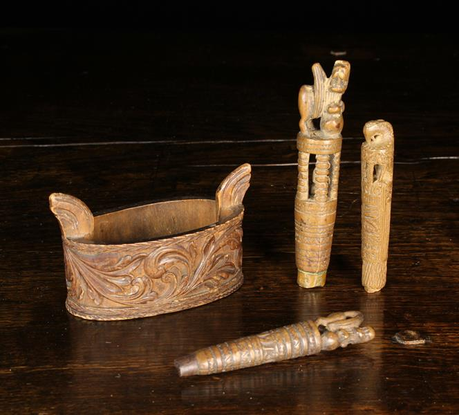 A Small Antique Scandinavian Oval Box & Three Carved Treen Knife Handles: The oval box carved with - Image 4 of 4